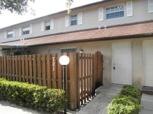 Casa unifamiliar adosada (Townhouse) por un Alquiler en 721 Cypress Way 721 Cypress Way West Palm Beach, Florida 33406 Estados Unidos