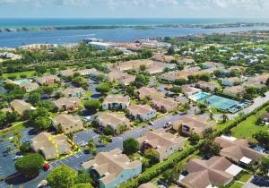 Additional photo for property listing at 635 Waterside Drive 635 Waterside Drive Hypoluxo, Florida 33462 Vereinigte Staaten