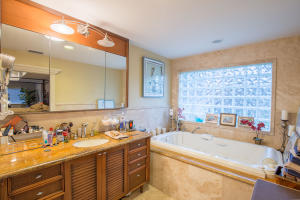 Additional photo for property listing at 1815 NW 10th Street 1815 NW 10th Street Delray Beach, Florida 33445 United States