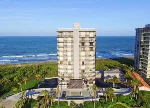 Condomínio para Venda às 4400 N Hwy A1a 4400 N Hwy A1a Fort Pierce, Florida 34949 Estados Unidos