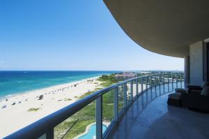 Condominium for Sale at 2700 N Ocean Drive 2700 N Ocean Drive Singer Island, Florida 33404 United States