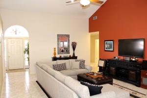 Additional photo for property listing at 2311 Saratoga Bay Drive 2311 Saratoga Bay Drive West Palm Beach, Florida 33409 United States