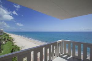 Condominium for Rent at 3450 S Ocean Boulevard 3450 S Ocean Boulevard Palm Beach, Florida 33480 United States