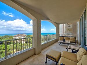 Condominio por un Alquiler en Toscana, 3740 S Ocean Boulevard 3740 S Ocean Boulevard Highland Beach, Florida 33487 Estados Unidos