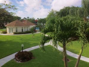 Additional photo for property listing at 22715 SW 66th Avenue 22715 SW 66th Avenue Boca Raton, Florida 33428 United States