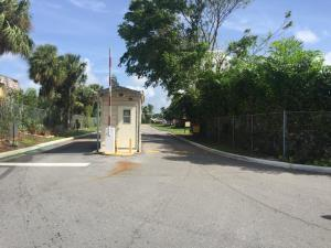 Additional photo for property listing at 1500 N Congress Avenue 1500 N Congress Avenue West Palm Beach, Florida 33401 United States