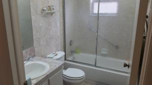 Additional photo for property listing at 551 Burgundy L 551 Burgundy L Delray Beach, Florida 33484 Estados Unidos