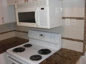 Additional photo for property listing at 218 Kent M 218 Kent M West Palm Beach, Florida 33417 États-Unis