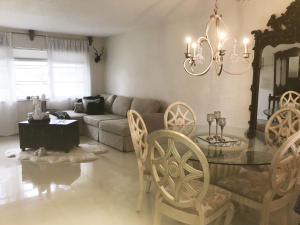Additional photo for property listing at 400 NE 20th Street 400 NE 20th Street Boca Raton, Florida 33431 États-Unis