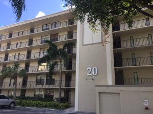 Condominium for Rent at Boca Bayou, 20 Royal Palm Way 20 Royal Palm Way Boca Raton, Florida 33432 United States
