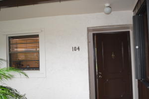 共管式独立产权公寓 为 出租 在 6531 SE Federal Highway 6531 SE Federal Highway 斯图尔特, 佛罗里达州 34997 美国