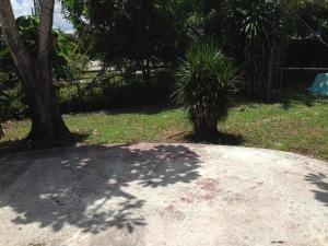 Additional photo for property listing at 5811 Haverhill Road 5811 Haverhill Road West Palm Beach, Florida 33407 United States