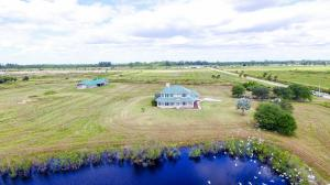 Single Family Home for Sale at 13700 SW Groveside Drive 13700 SW Groveside Drive Indiantown, Florida 34956 United States