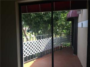 Additional photo for property listing at 4235 Village Drive 4235 Village Drive Delray Beach, Florida 33445 Estados Unidos