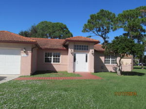 Additional photo for property listing at 1512 SE Berkshire Boulevard 1512 SE Berkshire Boulevard Port St. Lucie, Florida 34952 United States