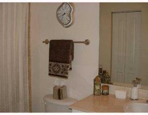 Additional photo for property listing at 600 S Dixie Highway 600 S Dixie Highway West Palm Beach, Florida 33401 États-Unis