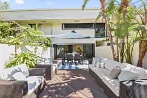 Condominium for Sale at 4300 N Ocean Boulevard 4300 N Ocean Boulevard Gulf Stream, Florida 33483 United States