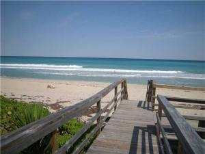 Additional photo for property listing at 5450 Old Ocean Boulevard 5450 Old Ocean Boulevard Ocean Ridge, Florida 33435 United States