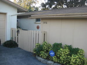 Additional photo for property listing at 306 N Delaware Boulevard 306 N Delaware Boulevard Jupiter, Florida 33458 United States