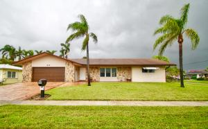 Single Family Home for Sale at 215 SE 1st Terrace 215 SE 1st Terrace Dania Beach, Florida 33004 United States