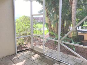 Additional photo for property listing at 526 Commons Drive 526 Commons Drive Palm Beach Gardens, Florida 33418 États-Unis