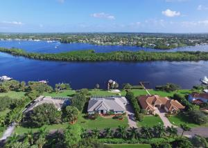 Casa Unifamiliar por un Venta en 12176 Riverbend Lane 12176 Riverbend Lane Port St. Lucie, Florida 34984 Estados Unidos