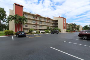 Condominium for Rent at 14723 Cumberland Drive 14723 Cumberland Drive Delray Beach, Florida 33446 United States