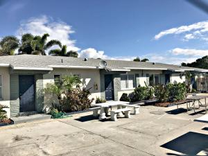 Multi-Family Home for Sale at 611 N Federal Highway 611 N Federal Highway Lake Worth, Florida 33460 United States