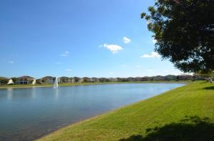 Additional photo for property listing at 730 Cresta Circle 730 Cresta Circle West Palm Beach, Florida 33413 États-Unis