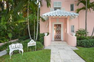 Condominio por un Venta en 325 S Lake Drive 325 S Lake Drive Palm Beach, Florida 33480 Estados Unidos