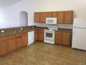 Additional photo for property listing at 113 SE Whitmore Drive 113 SE Whitmore Drive Port St. Lucie, Florida 34984 Vereinigte Staaten