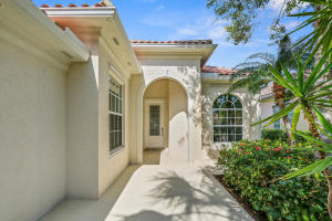 Additional photo for property listing at 172 Euphrates Circle 172 Euphrates Circle Palm Beach Gardens, Florida 33410 United States