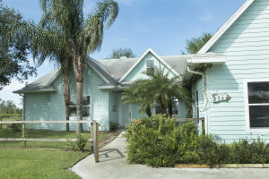 Single Family Home for Sale at 119 S Bear Pointe Drive 119 S Bear Pointe Drive Lake Placid, Florida 33852 United States