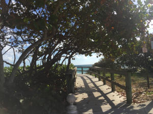 Additional photo for property listing at 751 Ocean Drive 751 Ocean Drive Juno Beach, Florida 33408 États-Unis