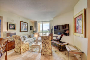 Additional photo for property listing at 403 S Sapodilla Avenue 403 S Sapodilla Avenue West Palm Beach, Florida 33401 États-Unis
