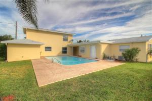Single Family Home for Rent at 740 Buttonwood Road 740 Buttonwood Road North Palm Beach, Florida 33408 United States
