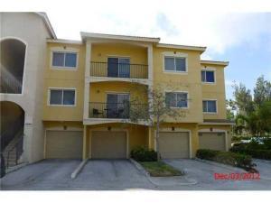 Condomínio para Locação às 340 Crestwood Circle 340 Crestwood Circle Royal Palm Beach, Florida 33411 Estados Unidos