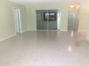 Additional photo for property listing at 425 S Lake Drive 425 S Lake Drive Lantana, Florida 33462 United States