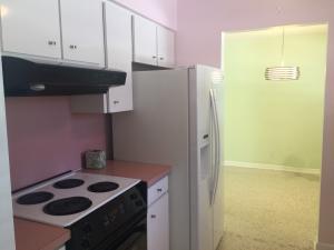 Additional photo for property listing at 425 S Lake Drive 425 S Lake Drive Lantana, Florida 33462 United States