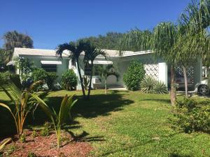 Additional photo for property listing at 425 S Lake Drive 425 S Lake Drive Lantana, Florida 33462 Estados Unidos