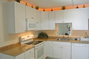 Condominium for Rent at 1106 Green Pine Boulevard 1106 Green Pine Boulevard West Palm Beach, Florida 33409 United States