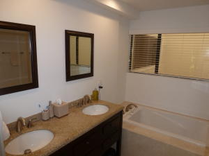Additional photo for property listing at 1909 Canterbury Circle 1909 Canterbury Circle Wellington, Florida 33414 United States