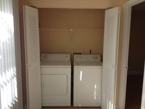Additional photo for property listing at 3320 Pinewalk Drive 3320 Pinewalk Drive Margate, Florida 33063 United States