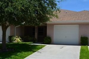 Additional photo for property listing at 1748 N Dove Tail Drive 1748 N Dove Tail Drive Fort Pierce, Florida 34982 Estados Unidos