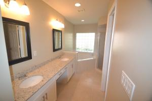 Additional photo for property listing at 201 Cypress Trace 201 Cypress Trace Royal Palm Beach, Florida 33411 Estados Unidos