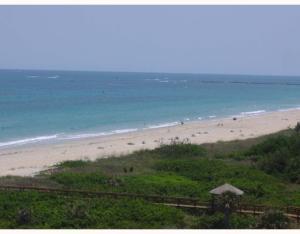 Condomínio para Locação às 2800 N Hwy A1a 2800 N Hwy A1a Fort Pierce, Florida 34949 Estados Unidos