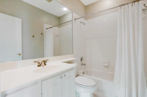Additional photo for property listing at 129 Bishopwood Drive 129 Bishopwood Drive Jupiter, Florida 33458 United States