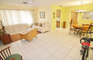 Condominium for Rent at Eden Place NA, 1325 N J Street 1325 N J Street Lake Worth, Florida 33460 United States