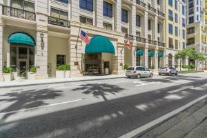 Eigentumswohnung für Verkauf beim 801 S Olive Avenue 801 S Olive Avenue West Palm Beach, Florida 33401 Vereinigte Staaten