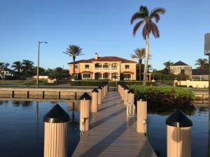 واحد منزل الأسرة للـ Sale في 6709 S Flagler Drive 6709 S Flagler Drive West Palm Beach, Florida 33405 United States